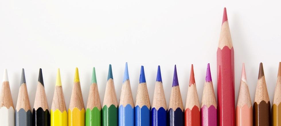 並べた色鉛筆